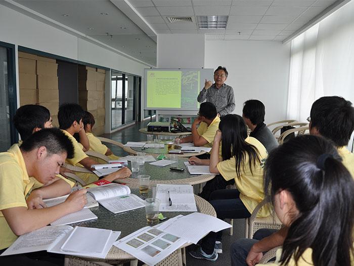 泓宝-湖北生物科技职业学院实习生培训